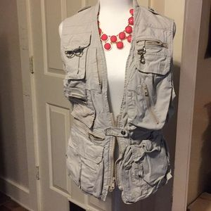 Banana republic ladies outdoor exploring vest